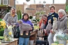 Klein-Gruppe im Gartenmarkt 1