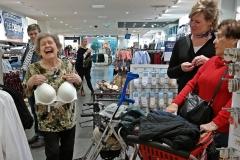 Einkaufen im Ratio 4